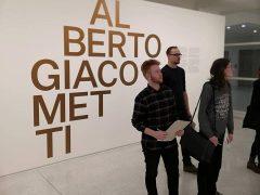 Žáci K4 ve Veletržním paláci na výstavě Alberto Giacometti a jejich vlastní tvorba (7. 11. 2019)